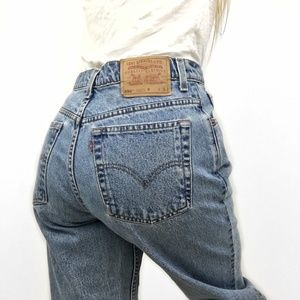 Vintage Levi's High Waisted Mom Jeans Relaxed Fit